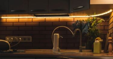 12 ideas to decorate with LED strips