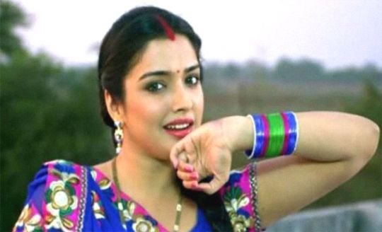 Amrapali Dubey Biography, Actresses Bio, Wiki, Photos and Net Worth