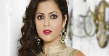 Drashti Dhami Biography