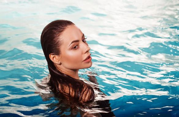 Keys to protect the chlorine hair from the pool