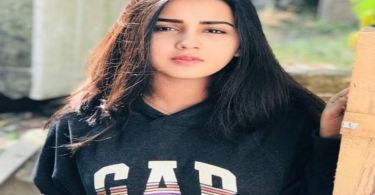 Roshni Walia Biography